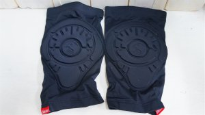 "画像1: Shadow""InvisaLite""KneeGuard [S/M/L/XL]"